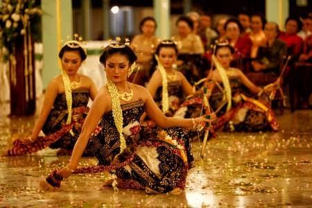Tari Bedhoyo Ketawang, Tarian Sakral untuk Raja-Raja Mataram