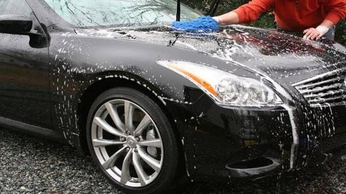 Tips Merawat Mobil saat Musim Hujan Tiba
