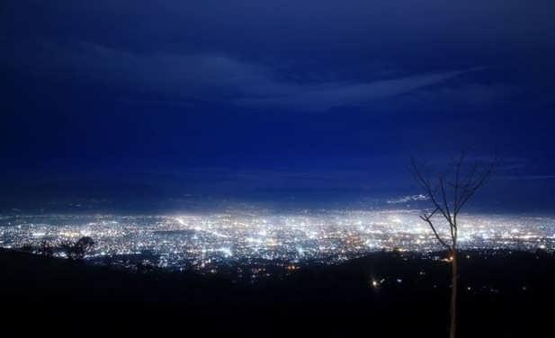 puncak bintang bandung malam hari