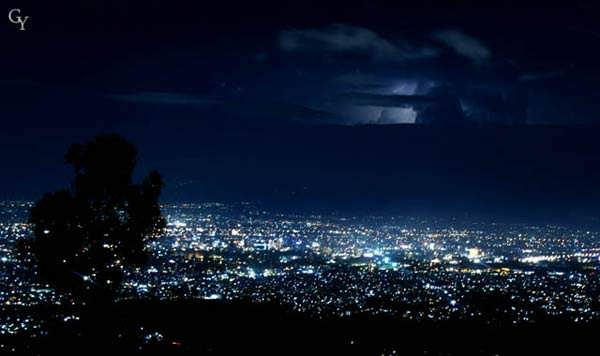 suasana malam Caringin Tilu