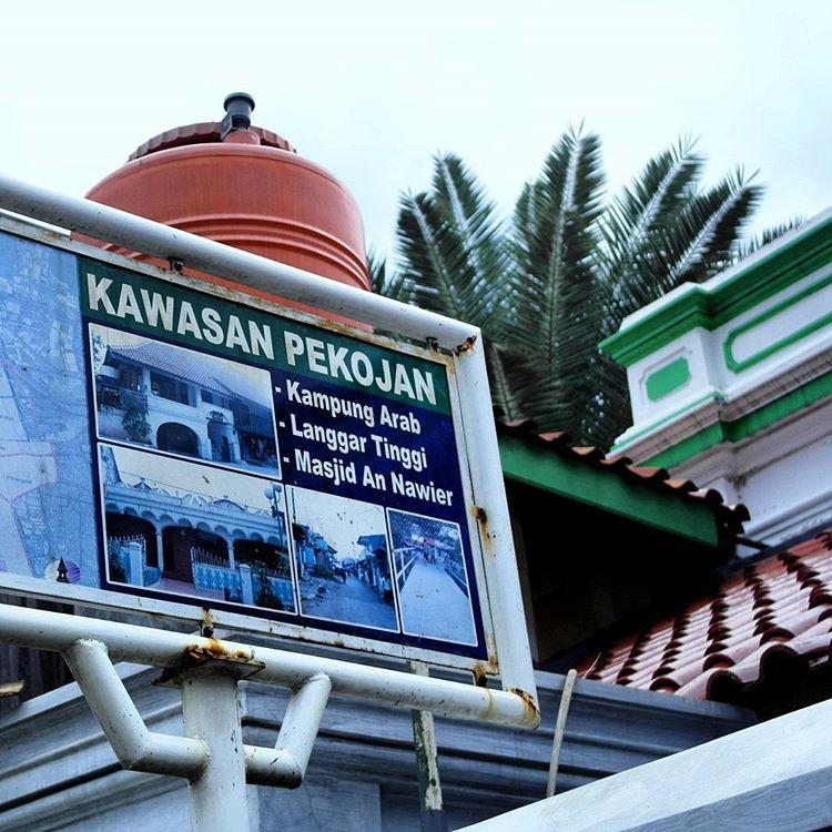 Papan Nama di Kawasan Pekojan (foto: Instagram @ddokiii)