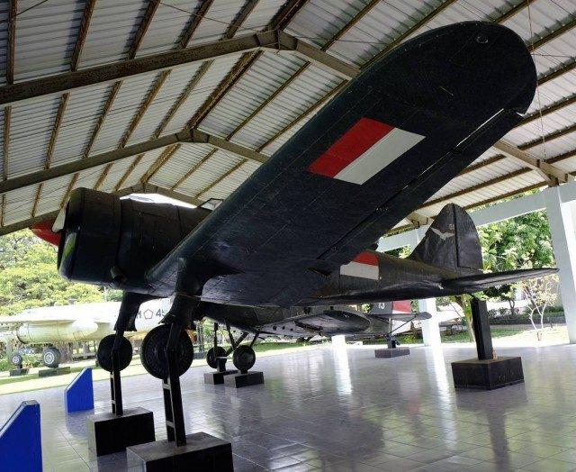 Koleksi Pesawat Terbang Militer di Museum Satriamandala (foto: Instagram @oliviavdhubyan)
