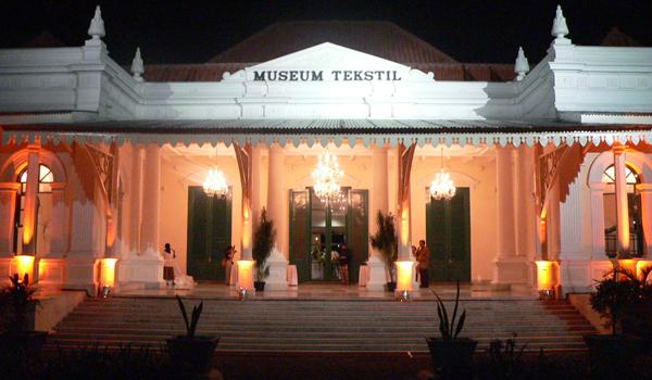 Tampak Muka Museum Tekstil Jakarta (foto: museumtekstiljakarta.com)